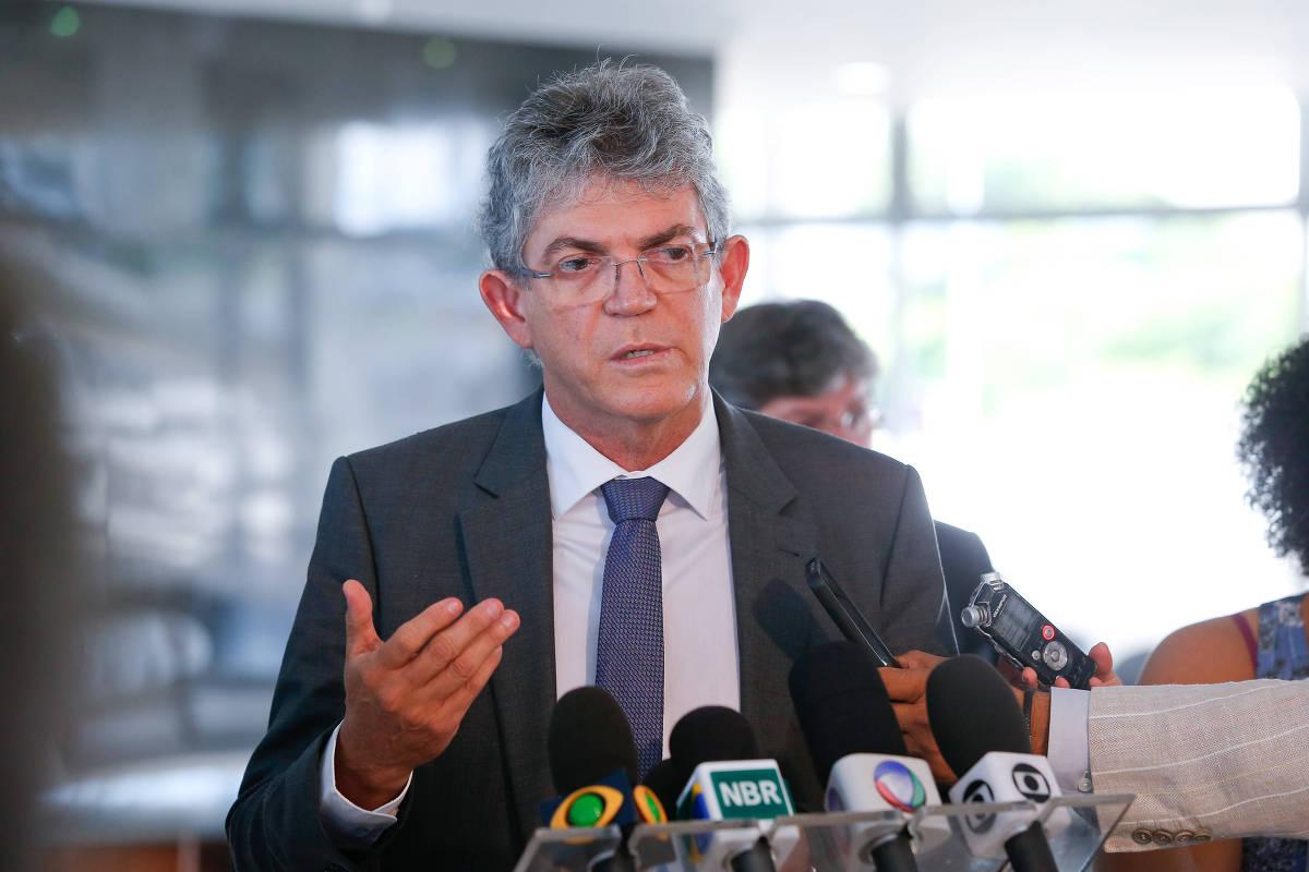 Ex-governador Ricardo Coutinho é preso sob suspeita de desvio de verba na Paraíba