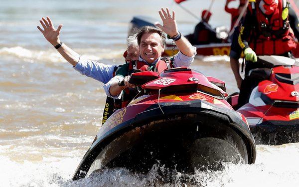 """Bolsonaro: """"Milhões já sentem como é viver na Venezuela."""", diz sobre Maranhão; Flávio Dino reage"""