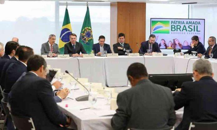 """""""Não se deve menosprezar todo o show de horrores"""", diz Mylla Sampaio sobre vídeo ministerial"""