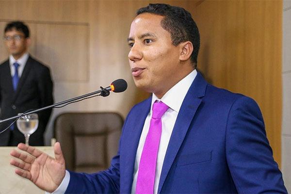 Prefeitura prorroga validade de concurso público da SEMCAS