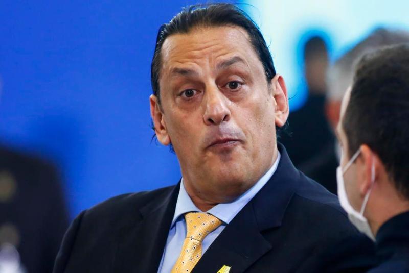 """Bolsonaro está """"de saco cheio"""" do advogado Wassef"""