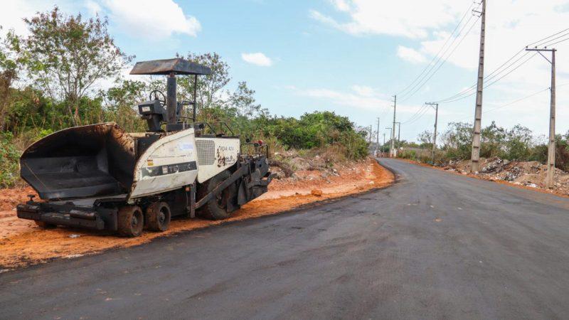 Paço do Lumiar: Paula Azevedo conclui asfaltamento em Eugênio Pereira